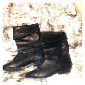 Shoes - Short black boots